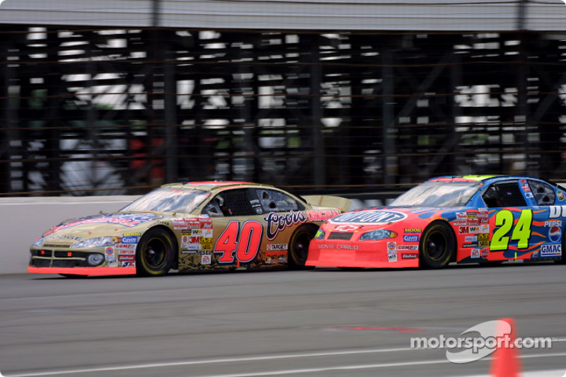 Sterling Marlin superado por Jeff Gordon