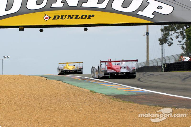 Tercera vuelta: los Audis de Johnny Herbert y Frank Biela liderando