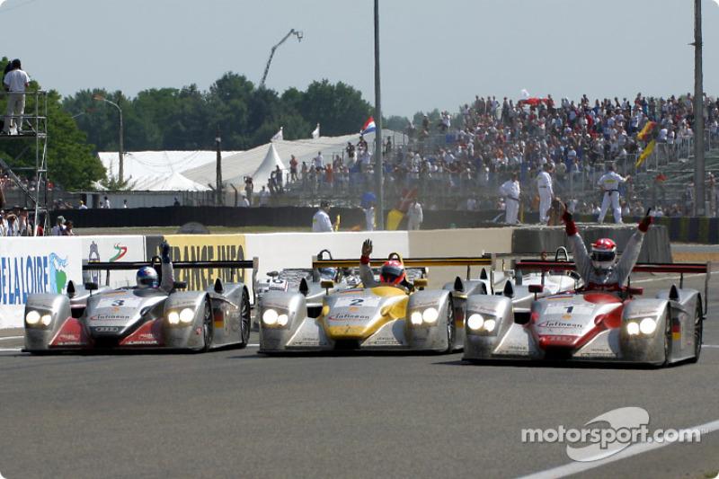 2002 - Audi R8 : Frank Biela, Tom Kristensen, Emanuele Pirro