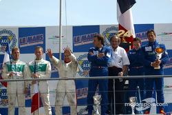 Le podium LMP 675 : les vainqueurs Christophe Pillon, Walter Lechner Jr. et Jean-Denis Deletraz avec les deuxièmes Jean-René de Fournoux, Jean-Bernard Bouvet et Stéphane Daoudi