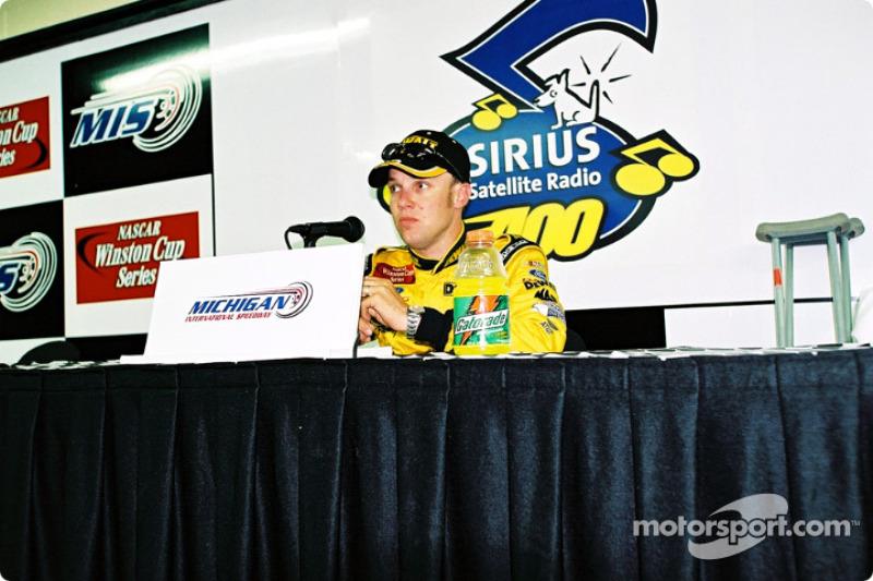 Conferencia de prensa después de la carrera con Matt Kenseth