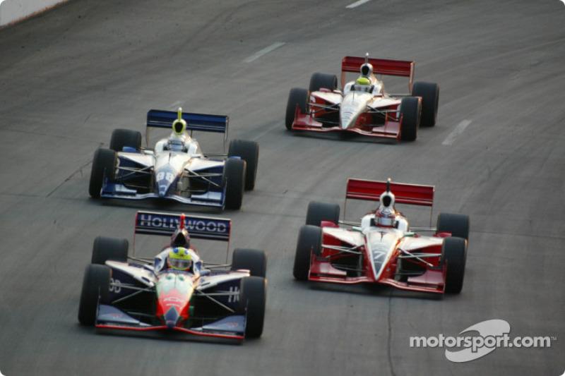 Felipe Giaffone mène le peloton