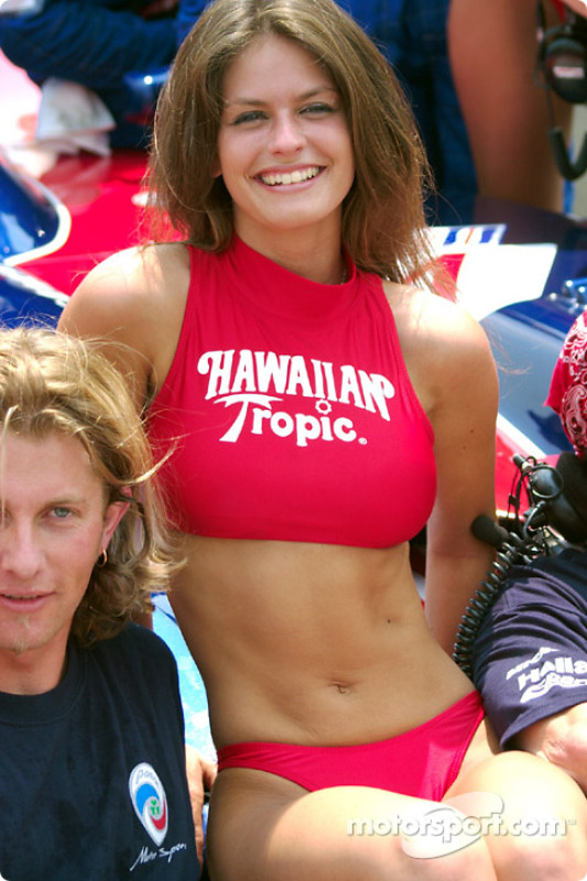 Hawaiian Tropic Girl At Mid Ohio