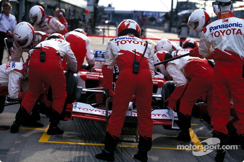 Simulación de parada de pits con el Equipo Toyota