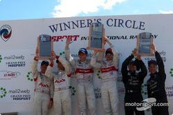 The podium: race winners Tom Kristensen and Rinaldo Capello, with Johnny Herbert, Stefan Johansson, J.J. Lehto and Max Angelelli