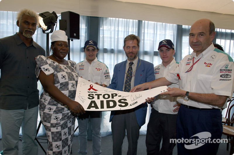 Sauber Petronas and United Nations join forces against HIV/AIDS: Felipe Massa, Nick Heidfeld and Pet