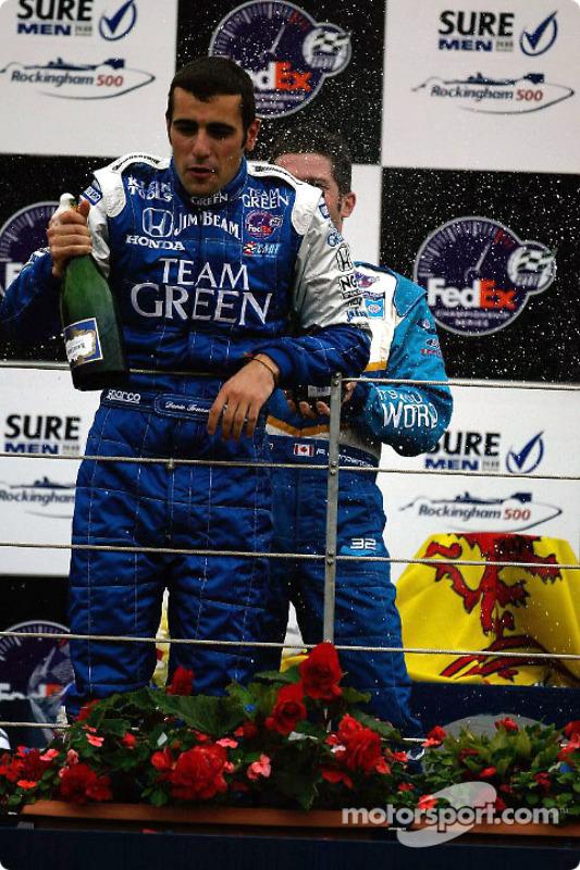 Le podium: champagne pour Dario Franchitti