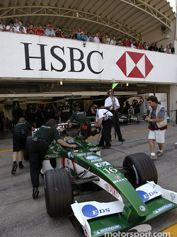 Eddie Irvine back in the pits