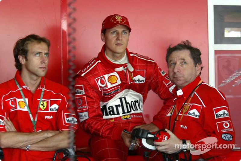 Luca Badoer, Michael Schumacher y Jean Todt