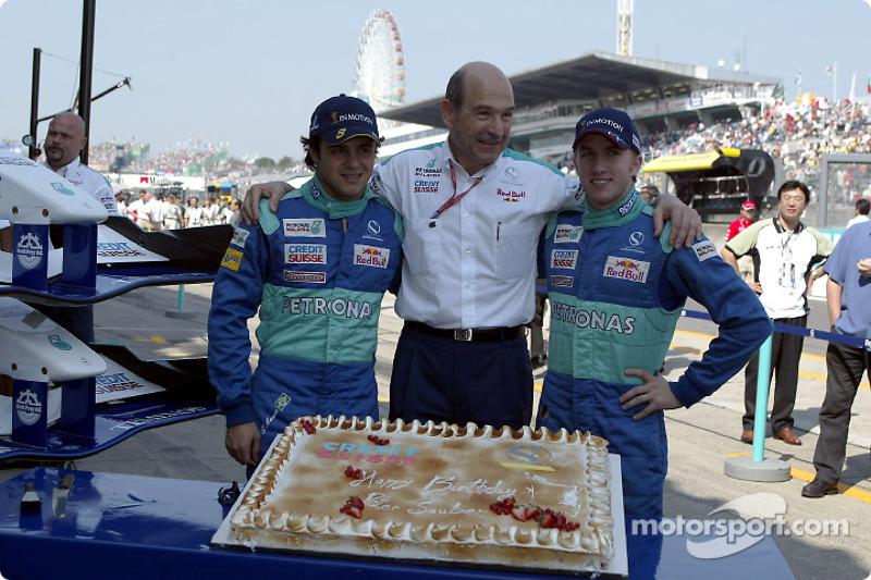 Peter Sauber celebra su cumpleaños con Nick Heidfeld y Felipe Massa