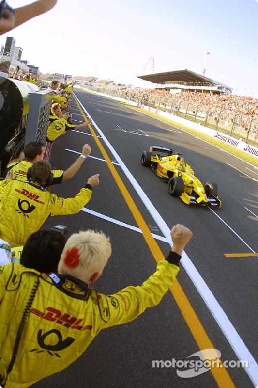 Takuma Sato celebra sus primeros puntos en la Fórmula 1