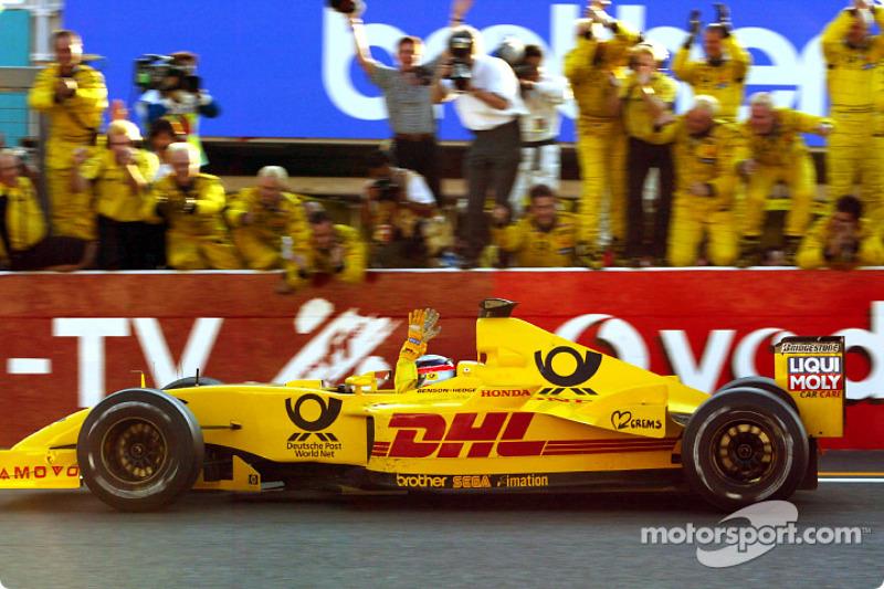 Takuma Sato kutlama yapıyor his first points Formula 1