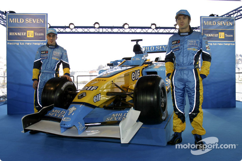 Fernando Alonso and Jarno Trulli with the new Renault F1 R23