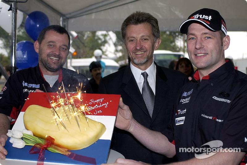 A Dutch cake: Paul Stoddart celebrates Jos Verstappen's 31st birthday