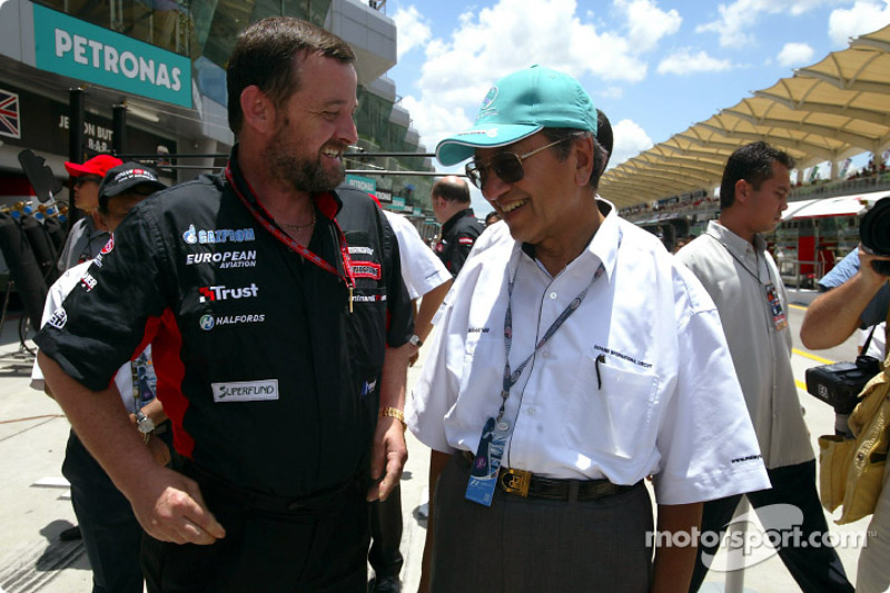Paul Stoddart and Malaysian Prime Minister Datuk Seri Dr Mahathir