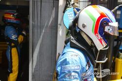 Fernando Alonso y Jarno Trulli se preparan