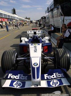 Williams-BMW on pitlane