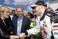 Jacques Villeneuve se encuentra con primer ministro de Quebec Jean Charest y su esposa