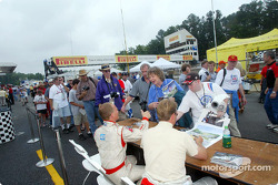 Autograph session: J.J. Lehto and Johnny Herbert