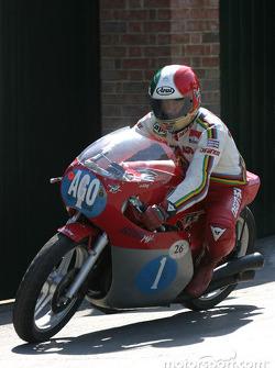 Giacomo Agostini on 1972 MV Agusta