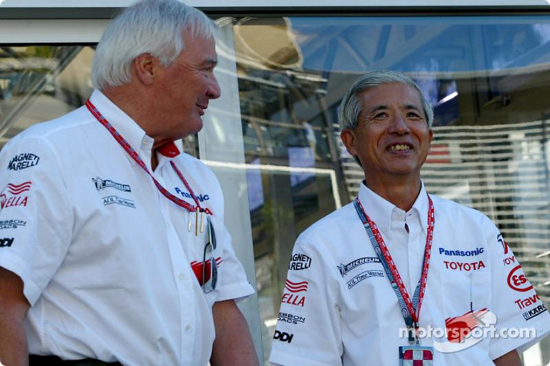 Ove Andersson y Akihiko Saito, Vicepresidente Ejecutivo Toyota Motor Corporation