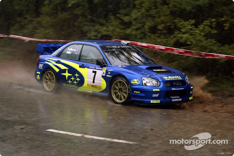 Petter Solberg, con un Subaru Impreza en el Rally de Catalunya 2003