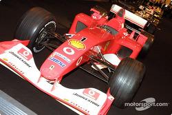 Ferrari mène la grille de la démonstration de Formule 1