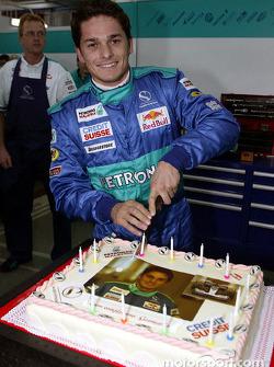 Giancarlo Fisichella kutlama yapıyor his birthday