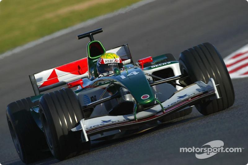Mark Webber test ediyoryeni Jaguar R5