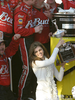 Teresa Earnhardt accepts the Florida Governor's Trophy for the winning car owner