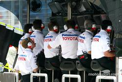 Le muret des stands Toyota