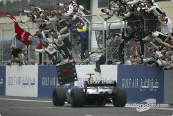 Zieldurchfahrt: 3. Jenson Button, BAR