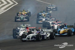 Start: Juan Pablo Montoya ahead of Takuma Sato and Jarno Trulli