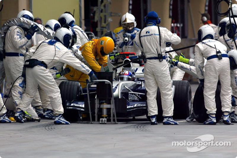 Boxenstopp: Juan Pablo Montoya, BMW Williams F1 Team, FW 26