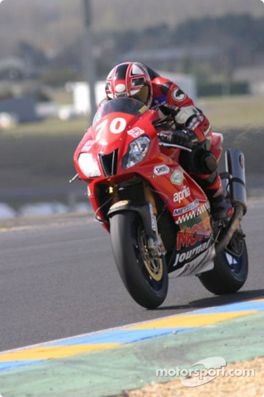 L'Aprilia RSV n°70 du Team Moto Journal (Julien Enjolras, Romain Chaucheprat)