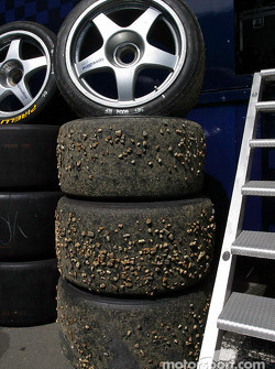 Rocks in tires