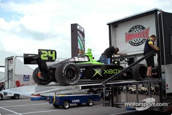 Unloading Brad Pollard's car