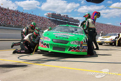 Pitstop for Bobby Labonte