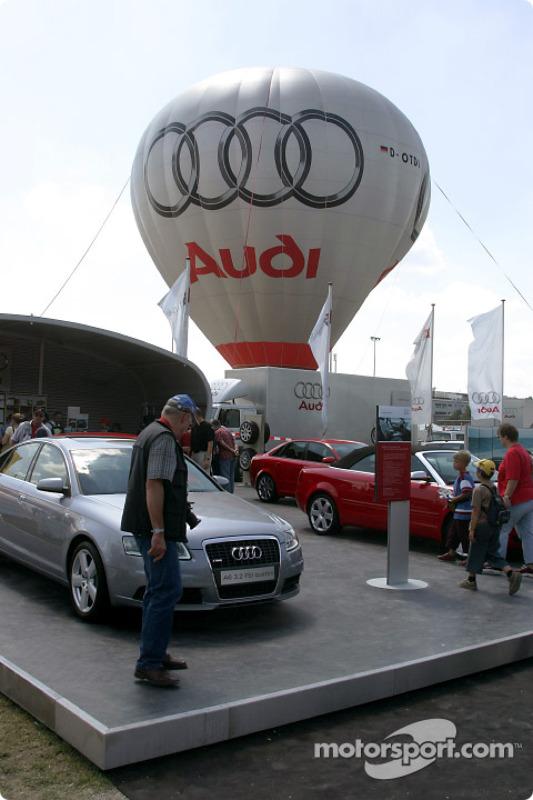 Le display Audi dans le paddock du Norisring