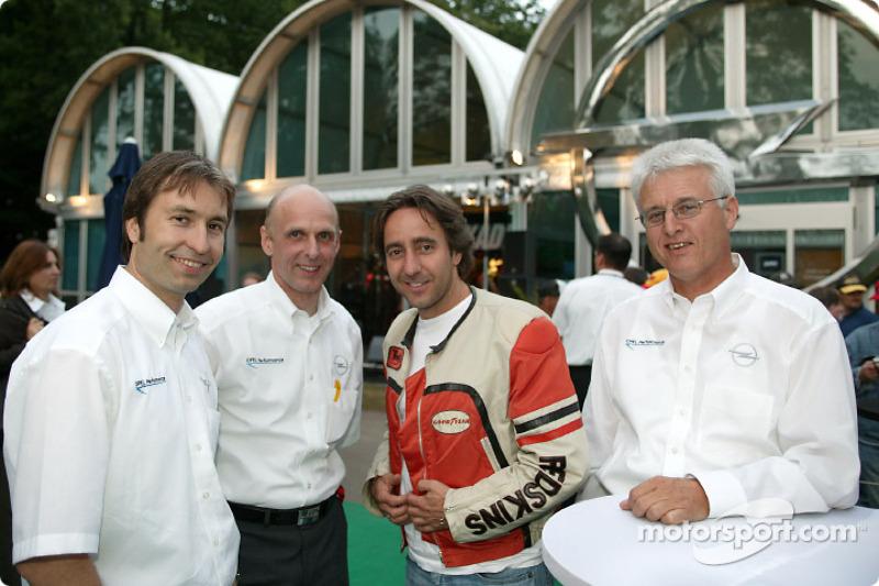 Heinz-Harald Frentzen, Opel motorsport director Volker Strycek, actor Dieter Landuris, Dr. Uhland Burkart, Member of the Management Board for Sales and Service Opel