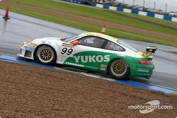 #99 Freisinger Motorsport Porsche 996 GT3 RSR: Sascha Maassen, Lucas Luhr