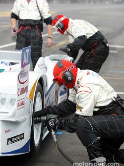 Le Champion Racing travaille dur pendant une simulation d'arrêt aux stands