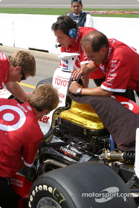 Les membres de l'équipe Ganassi Racing