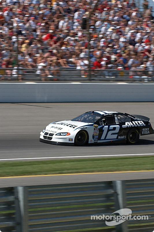 Le n°12 Ryan Newman se qualifie pour le Brickyard 400