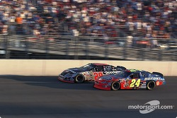 Jeff Gordon battles with Kevin Harvick
