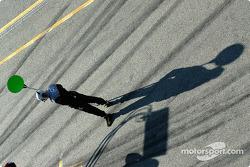 Opel crew member waits for pitstop practice