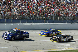 Pace laps: Joe Nemechek and Ricky Rudd lead the field