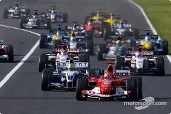 Start: Michael Schumacher leads Ralf Schumacher