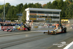 Top Fuel final, Tony Schumacher wins over Bob Vandergriff