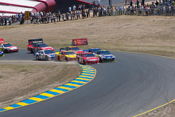 Start: Kasey Kahne, Richard Petty Motorsports Ford and Jimmie Johnson, Hendrick Motorsports Chevrolet lead the field